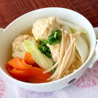 野菜たっぷり!ふわふわ鶏団子鍋