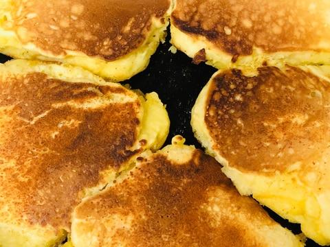 【簡単】チーズトッピングのホットケーキ