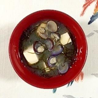 しじみと塩とうふのお味噌汁に、ふのり