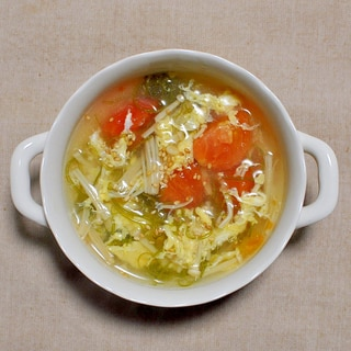 めかぶとトマトのかき玉スープ