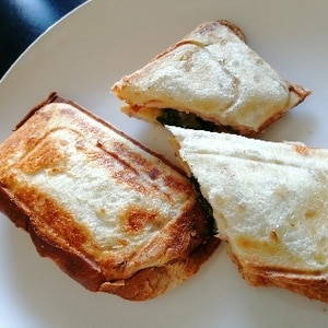 朝ごはん☆サラダホットサンド