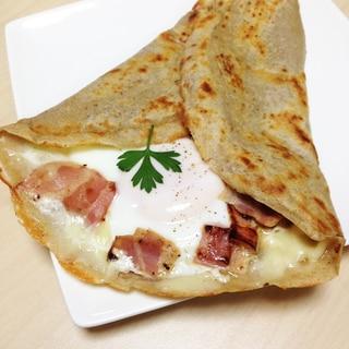 そば粉のガレット〜チーズ・ベーコン・卵〜