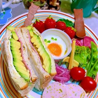 高菜マヨが隠し味☆*アボカドハムチーズサンド