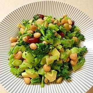 ブロッコリーとお豆のチョップドサラダ