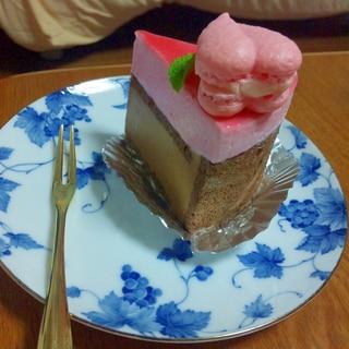 カシスとミルクチョコのムースケーキ