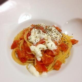 イタリア人ってスゴイ!シンプルなトマトパスタ