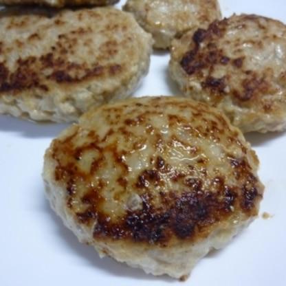 子供たちも大好きなハンバーグ♪ 沢山作ってお弁当用にも冷凍しちゃいました☆ とっても美味しかったです*^^*