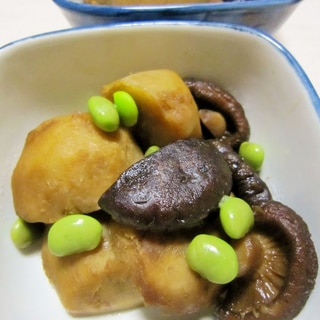 里芋と干し椎茸の煮物