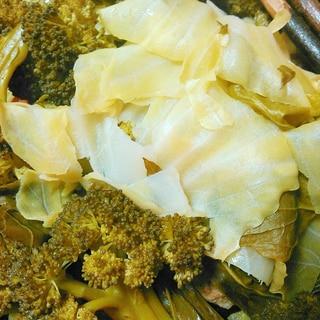 丸ごとブロッコリーとキャベツのくたくた煮