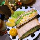 クミン薫るアボカドと卵とチーズのサンド