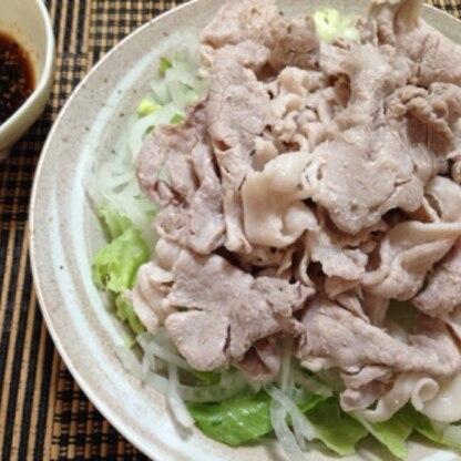 ポン酢でいただきました♪あっさりしてて野菜もたくさん食べれて美味しかったです(*^^*)
