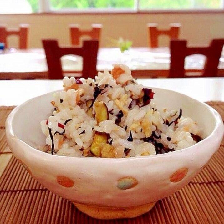 我が家の夏の定番食!食欲増進!簡単夏のまぜごはん!