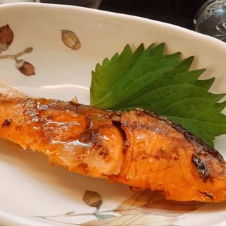 フライパンでもふっくら焼ける♪鮭の塩焼き