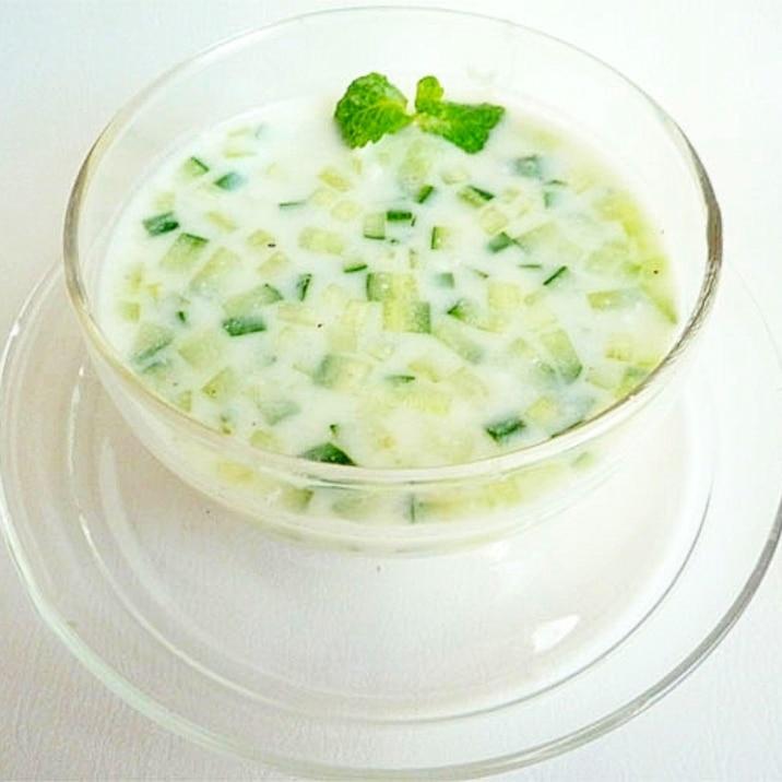 タラトル きゅうりとヨーグルトの冷製スープ