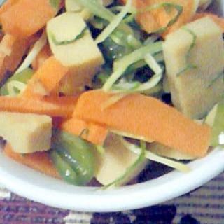 水菜と高野豆腐とにんじんとピーマンの炒め物