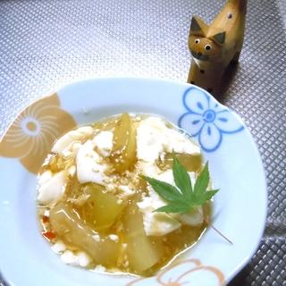 生姜香る 柔らか冬瓜と豆腐の煮物