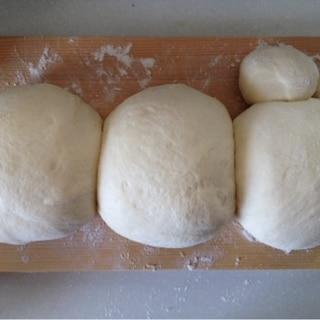 【低コストで節約♪】HB手作りピザ生地 バター不要
