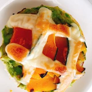 アボガド&かぼちゃディップのチーズパン