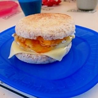 キャンプの朝食♪エッグマックマフィン風