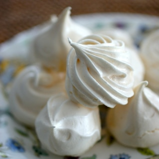 卵白1個で作るメレンゲクッキー