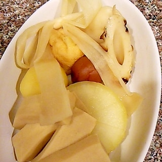 かんぴょうが可愛い煮物の盛り合わせ