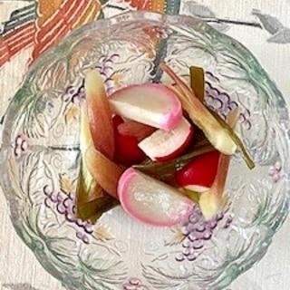 板蒲鉾、ラディッシュ、茗荷、茎わかめの和え物