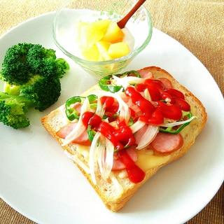 ウインナーチーズトースト朝ごはん