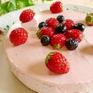 **ひんやり♪ストロベリーレアチーズケーキ**
