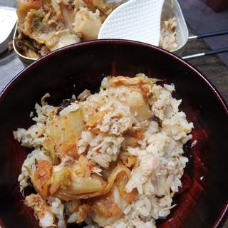 山飯★メスティンで海鮮キムチの炊込みご飯
