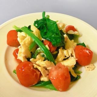 ほうれん草と卵とトマトの中華炒め*