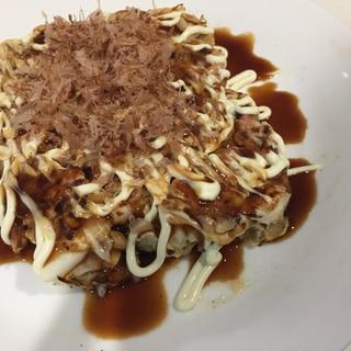 【節約レシピ】柿ピー入り★もっちりお好み焼き♪