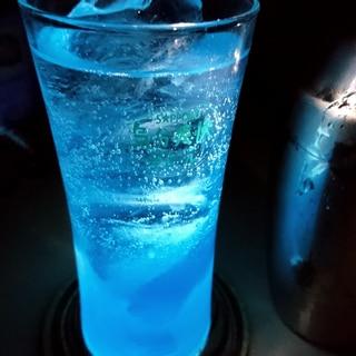 オリジナルカクテル! シェークブルー。