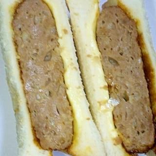 厚めのチーズハンバーグサンド