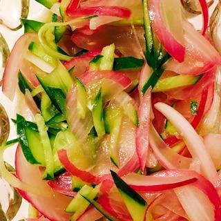 アーリーレッドときゅうりのマリネ風サラダ