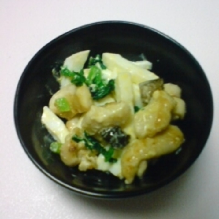 鶏皮とゆで卵ときゅうりのキューちゃんの和え物