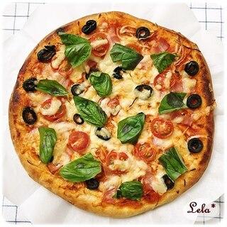 米粉ブレンドの贅沢具沢山ピザ
