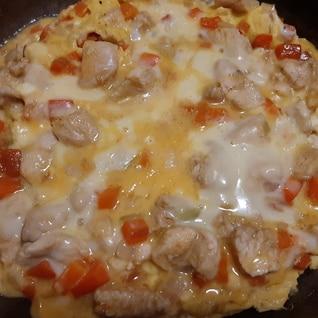 野菜たっぷり!フライパンのまんまチーズオムレツ