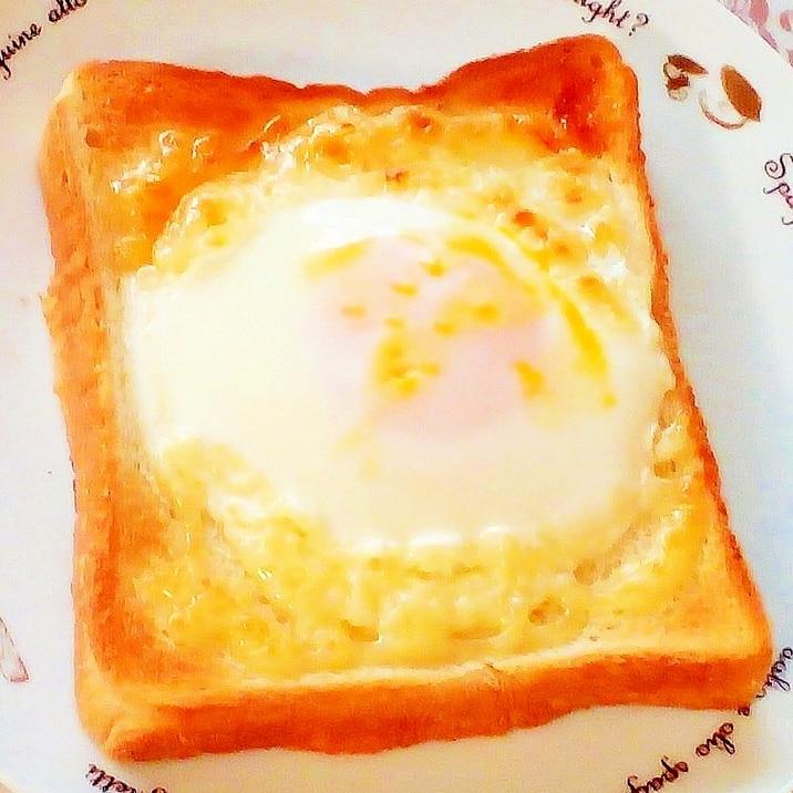 ♪レンジで簡単♡目玉焼きトースト♪