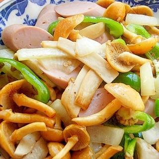 お魚食べてネ!キノコ2種でバター炒め(大粒なめこ)