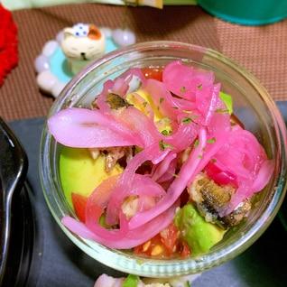 燻製オイルサーディンとアボカドと卵のサラダ