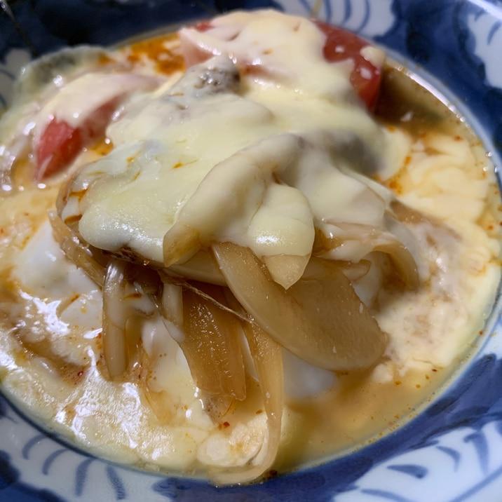 豆腐、トマト、玉ねぎ、チーズスープ