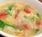 トマトと野菜と卵のコンソメスープ