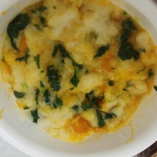 【離乳食中期】かぼちゃと小松菜のパン粥