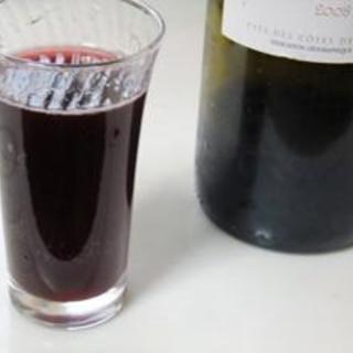 自家製ジンジャーエールと赤ワインのカクテル