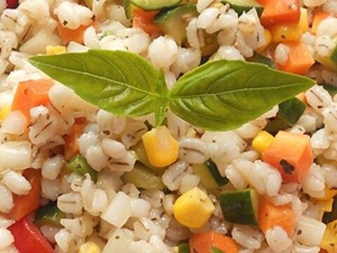 有機野菜と麦のサラダ