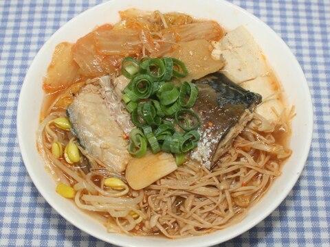 梅ズバ☆話題の鯖缶レシピ☆干しえのきで鯖缶チゲ豆腐