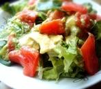 サーモンとアボカドの爽やかヨーグルトサラダ♪