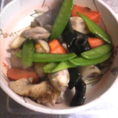 前の日につくっておくと味が染みておいしくて野菜もたくさん取れてお弁当にべんりですね(^^)/