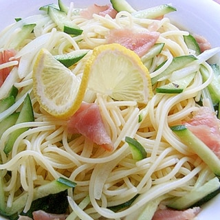 安くデリ風❤生ハムのスパサラダ♪(胡瓜&玉ねぎ)