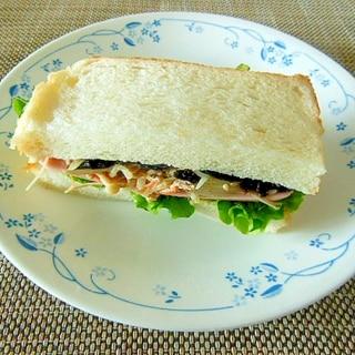 ひじきとハムとエノキと玉ねぎ炒めのサンドイッチ♪
